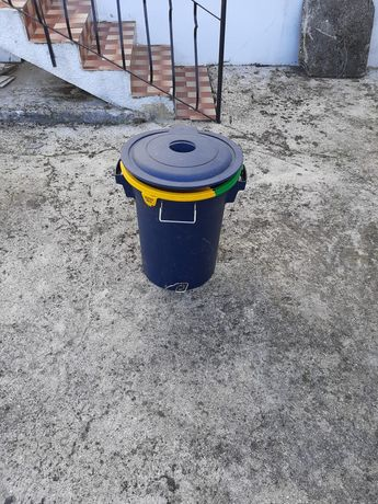 Caixote do lixo reciclagem.
