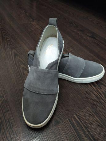 Взуття замш всередині шкіра