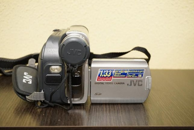 Видеокамера JVC в отличном состоянии