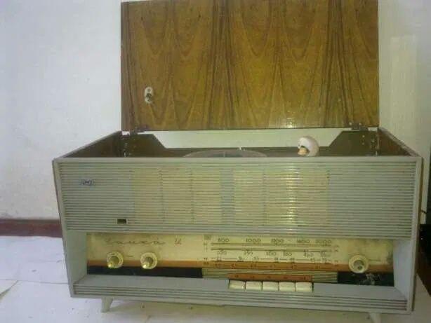 Радиола Чайка М. Радиола Вега 323