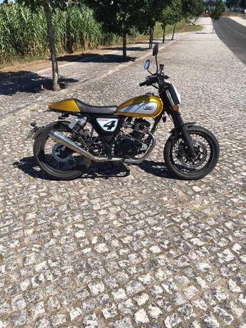 MASH Dirt Track 125 cc com menos de 1 ano
