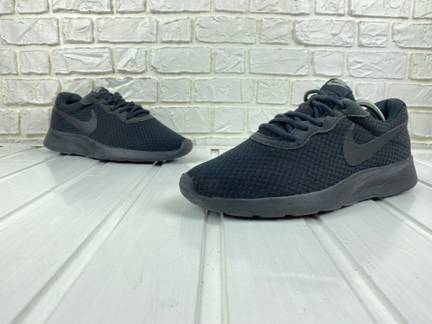 Кроссовки Nike Wmns Tanjun Original 43 беговые