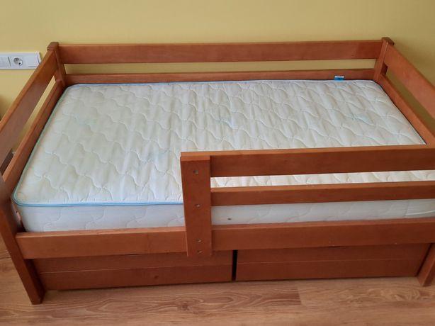 Детская деревянная кровать с выдвижными ящиками