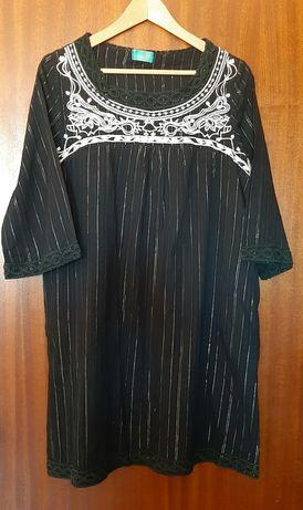 Vestido curto ou túnica comprida preta com bordado, Vintage Bazaar