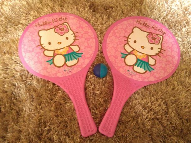 Raquetes (Hello Kitty) com bola.