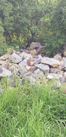 kamienie kamienie różne duże i małe kamienie kamienie