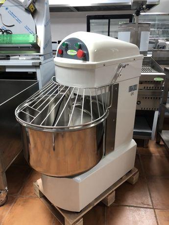 Amassadeira de 35 Kg de massa - 2 velocidades