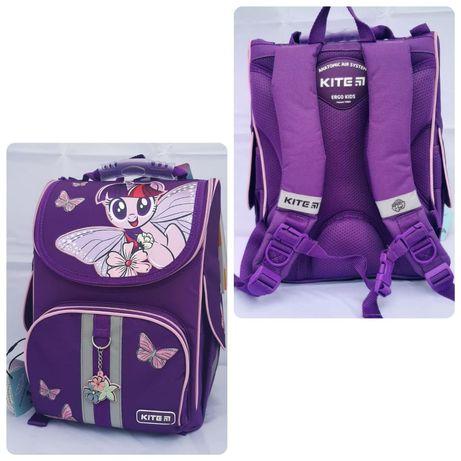 Каркасний рюкзак для дівчинки