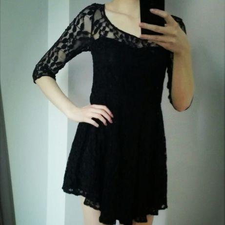Czarna koronkowa sukienka Van Graaf
