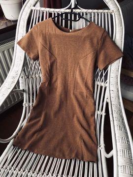 Piękna sukienka w kolorze brązowo-łososiowym F&e rozmiar S