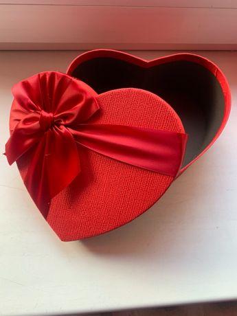 Коробка форма серце