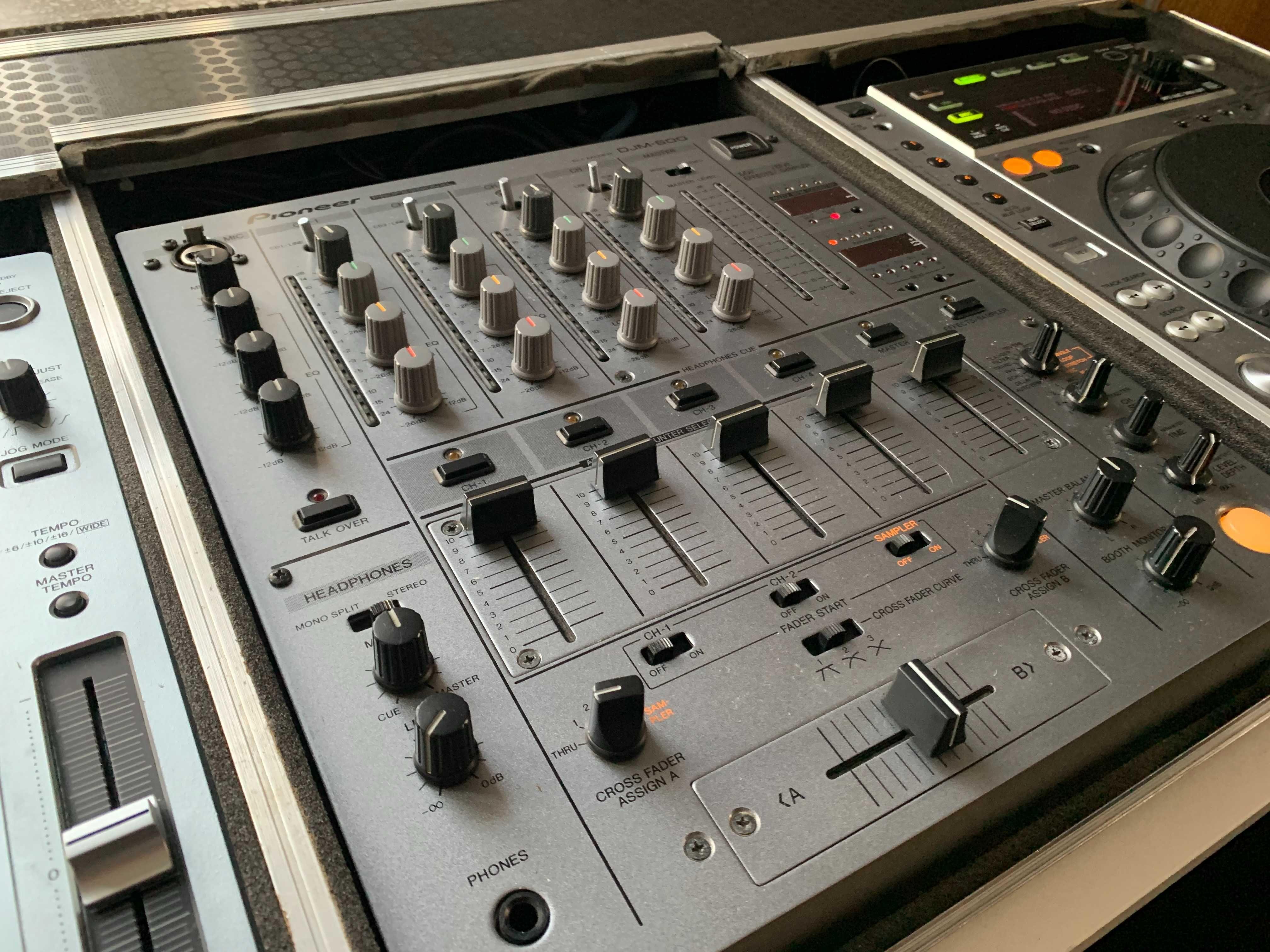 Pioneer DJM-600 + 2x Pioneer CDJ-850 + Case