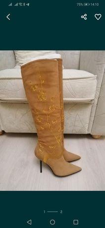 Новые сапоги ботфорты р 35 со стразами и вышивкой