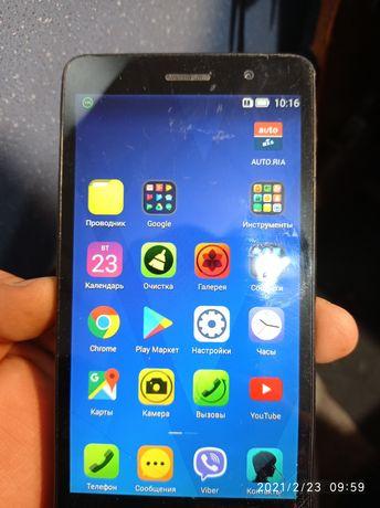 Смартфон Леново в рабочем состоянии Lenovo S860