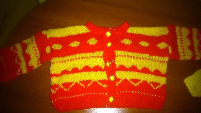 sweter dziewczęcy r. 68 cm