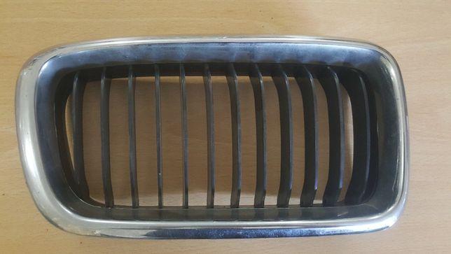 Grelha capô BMW E38
