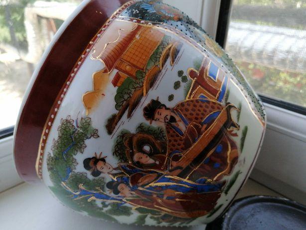 Фарфор.Шикарная ваза,кашпо,ручная роспись,сюжеты,позолота,Япония