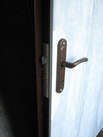 Двери входные металлические из листа 2-3 мм с уст. Опыт с 1995 г.