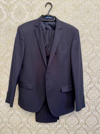 Темно синий брючный костюм, пиджак/брюки