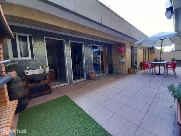 Apartamento T3 c/ terraço em Oliveira de Azeméis