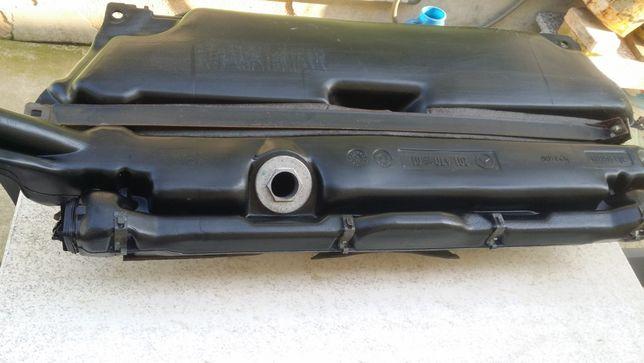 Depósito/Tanque Combustível-Cx. Fusíveis-várias peças - Mercedes 190 D