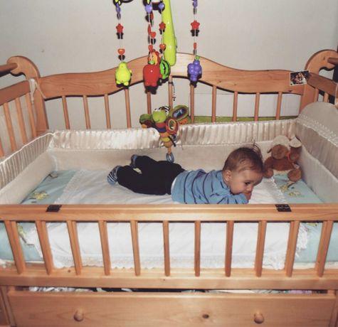 Дитяче ліжечко дерево