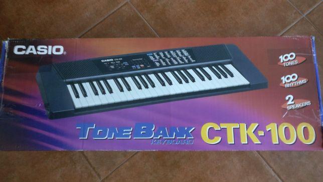 Casio CTK100 Órgão Electrónico