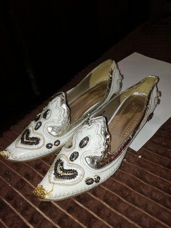 ПОДАРЮ туфли для восточных танцев.