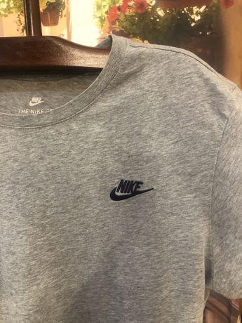 Классическая футболка Nike