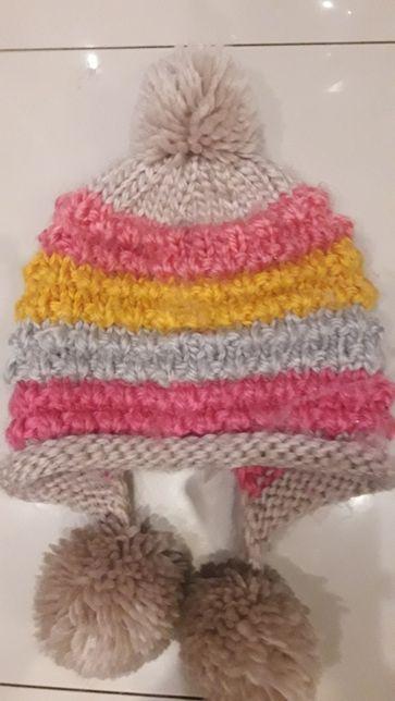 Kolorowa czapka paski