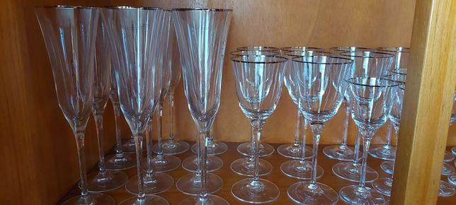 Conjunto de copos de cristal Spal com fio de ouro