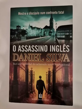 """Livro """" O Assassino Inglês """", de Daniel Silva"""