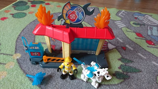 Rescue bots straż  stacja paliw
