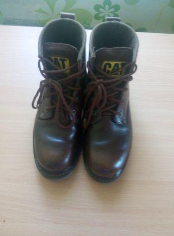 Продам демисезонные ботинки CAT натуральная кожа р.38