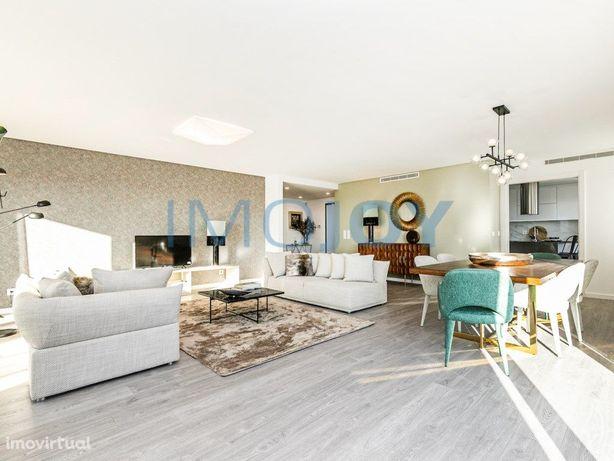 Excelente Apartamento T2 com Varanda em Oeiras