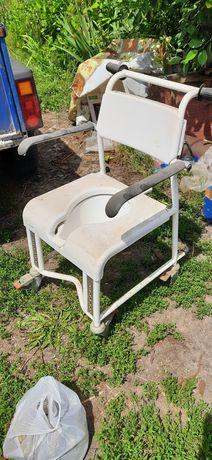Туалет на колесах, регулируется высота, съёмный сартир