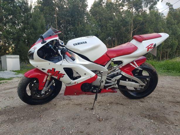 Yamaha r1  ano 2000