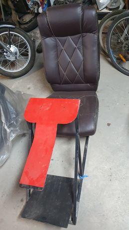 Fotel z uchwytem  do kierownicy