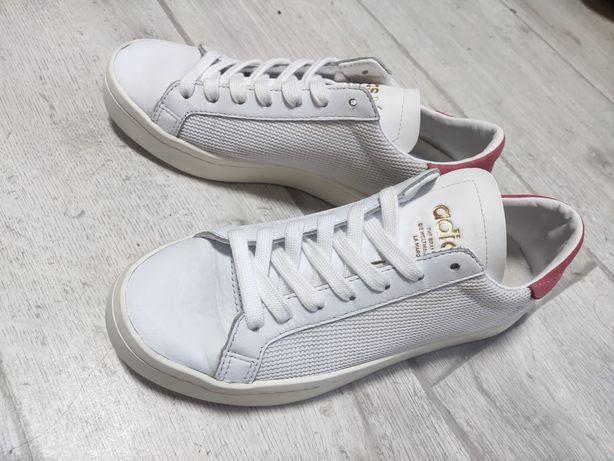 Кроссовки Adidas женские 38 размер