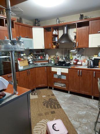 Sprzedam meble kuchenne 3 wyższe krzesła w cenie kuchenka, piekarnik