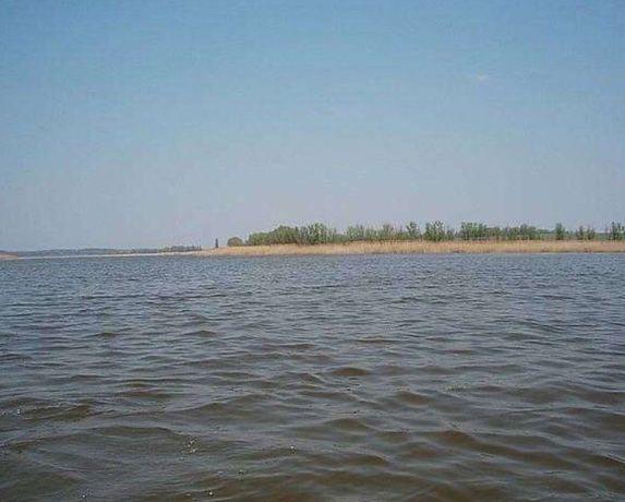 Дача. Ровный участок 23 сотки на берегу водохранилища. Недорого.