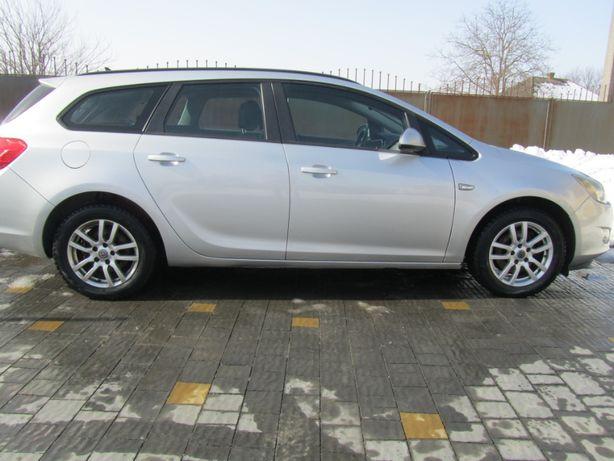 Продам Opel Astra J Sports Tourer 1.7 CDTI 2012р