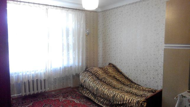 Продам 1-к кв. на мкрн, бывш. общежитие, с удобствами и ремонтом
