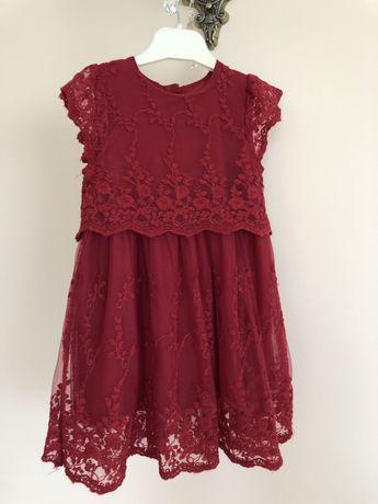 Нове плаття для дівчинки