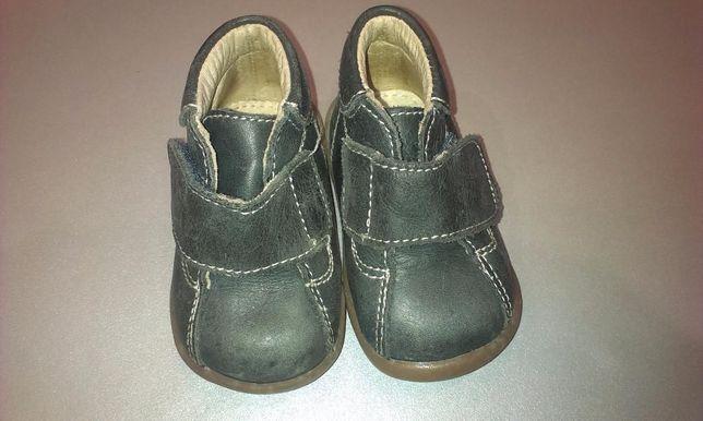 Продам новые детские туфли enfant