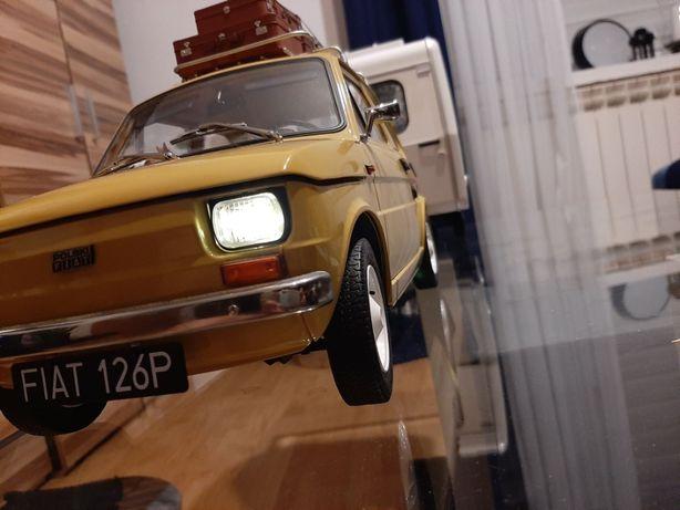 Fiat 126p Maluch z przyczepką Niewiadów skala 1:8 DEAGOSTINI