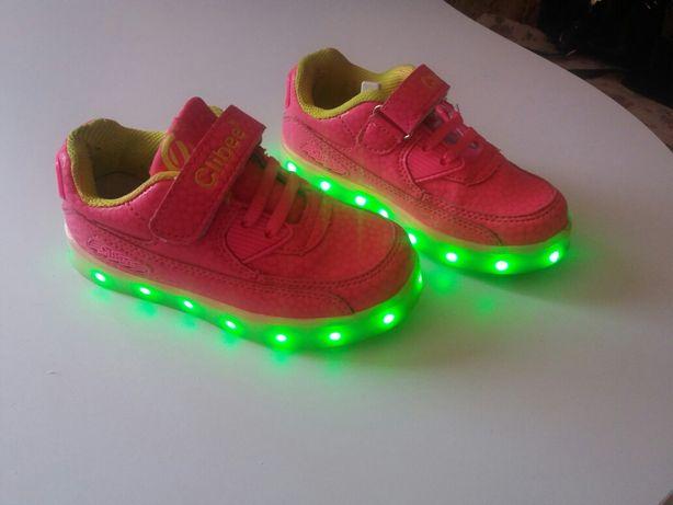 Світящі кросівки з USB