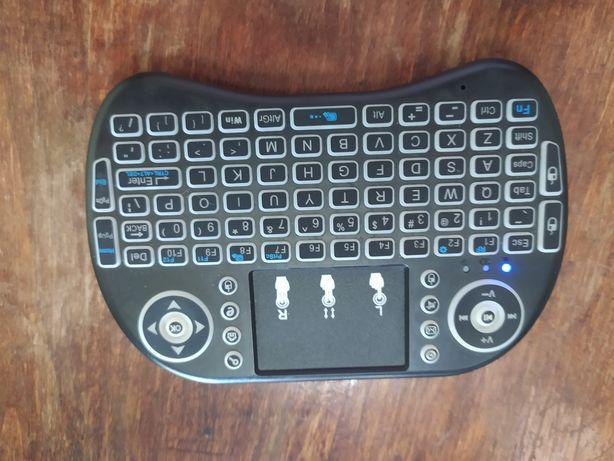 Продам беспроводную мини клавиатуру с тачпадом под ремонт