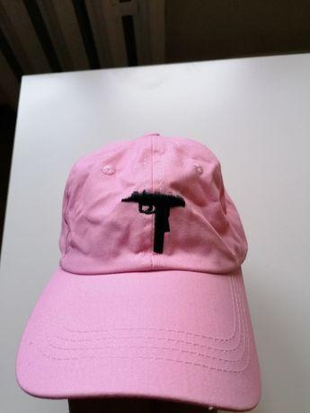 Czapka uzi shotgun różowa z daszkiem prezent
