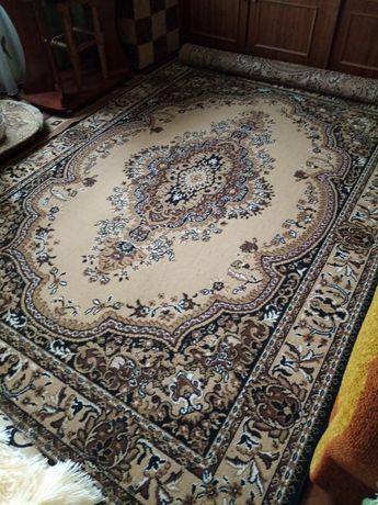 Продам ковёр в очень хорошем состоянии